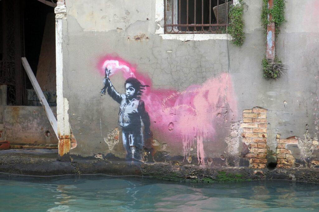 Santa Greta Calendario.Dov E La Nuova Opera Di Banksy A Venezia Artribune