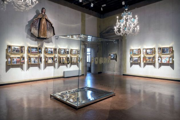 Chiara Dynys, Sabra Beauty Everywhere, 2012, Museo Correr, Venezia. Image courtesy dell'artista. Photo Matteo De Fina