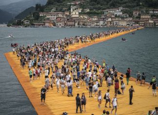 Christo & Jeanne Claude, The Floating Piers