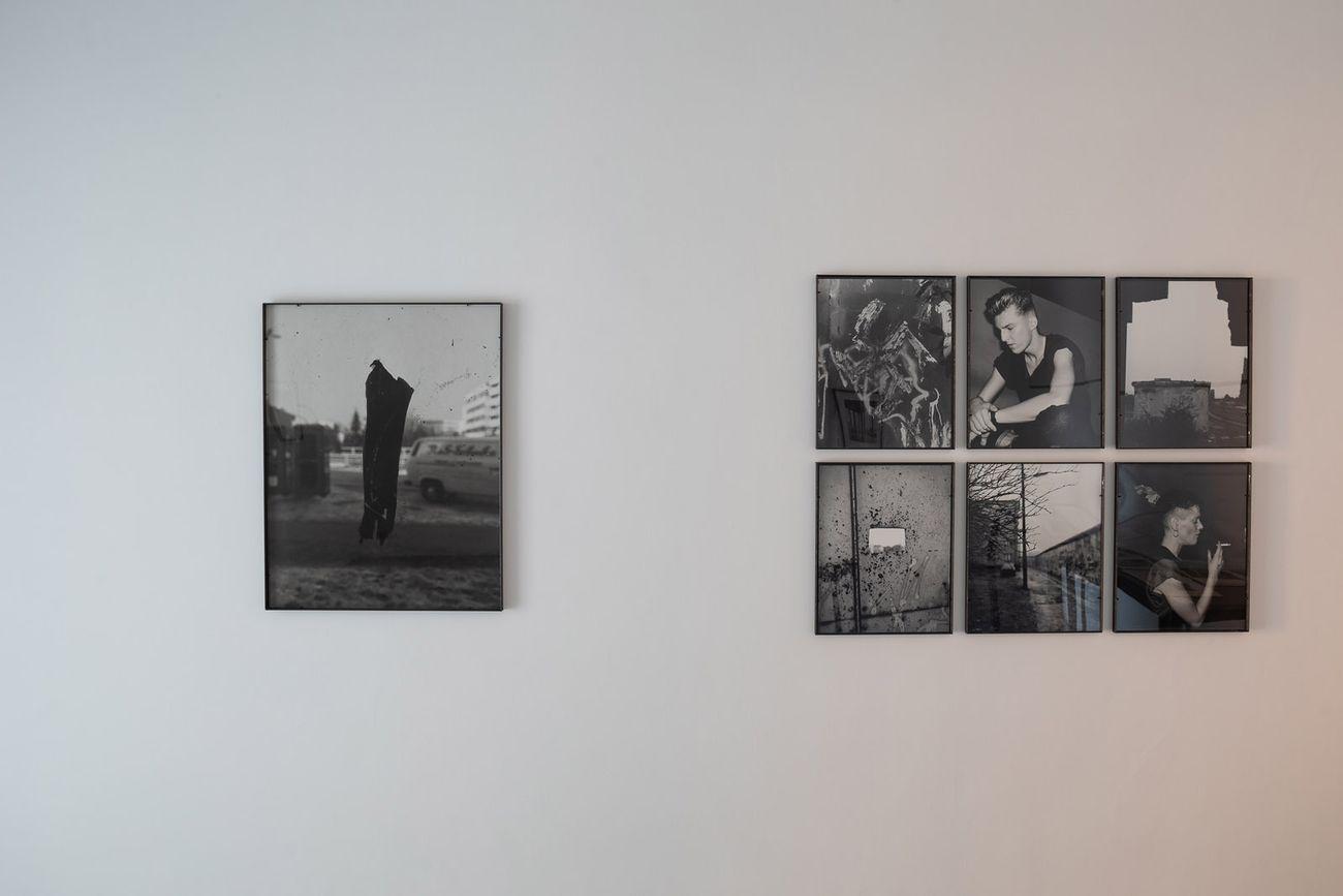 Fotografia 6. Michael Schmidt e Andreas Gursky. Installation view at Accademia Tedesca di Villa Massimo, Roma 2019 © Villa Massimo. Photo Alberto Novelli
