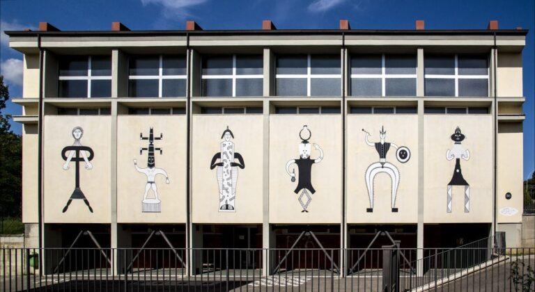 Guerrilla Spam, Figure a pezzi (personaggi meticci tra arte etrusca e africana), Pratovecchio Stia, 2018. Photo Alessandra Cinquemani