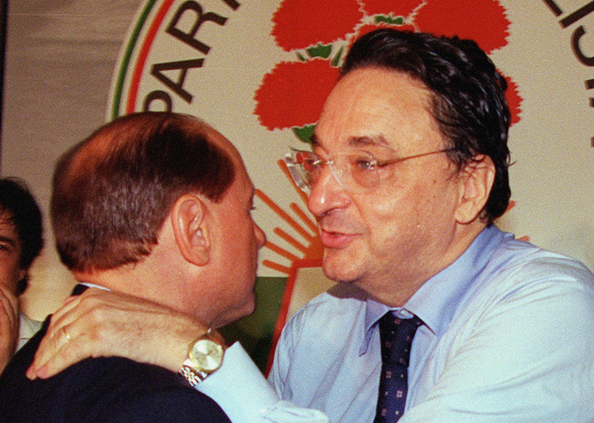Silvio Berlusconi con Gianni De Michelis, foto Ansa
