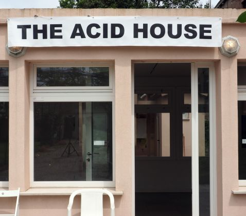 Stefano Cagol, The Acid House, 2019. Installation, PVC banner. Tu vs Everybody, 2019, Venezia