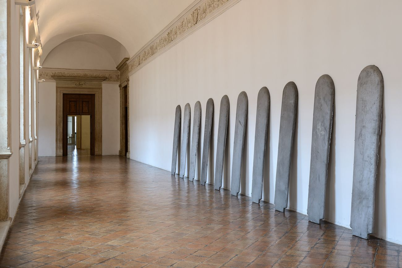 Eliseo Mattiacci, Tavole degli alfabeti primari, 1972. Installation view at Galleria delle Marche, Palazzo Ducale, Urbino 2019. Photo Michele Sereni