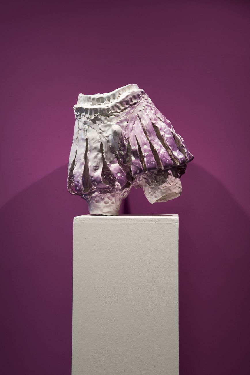 Emiliano Maggi, Velvet Mauve Trunk Hose, 2019, glazed ceramic, 53x55x35 cm. Courtesy Operativa Arte & the artist