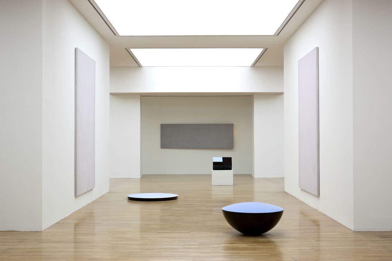 Ettore Spalletti. Exhibition view at GAM – Galleria Civica d'Arte Moderna e Contemporanea, Torino, 2014. Photo credits Werner J. Hannappel