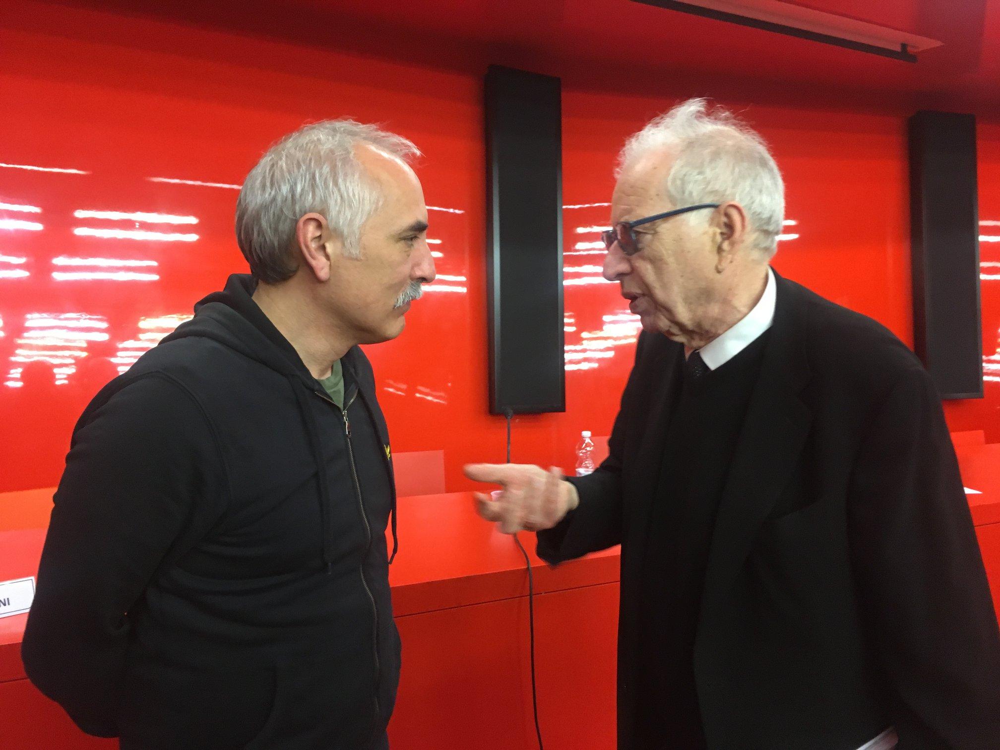 Giorgio De Finis si confronta con (a destra) Mario Pieroni