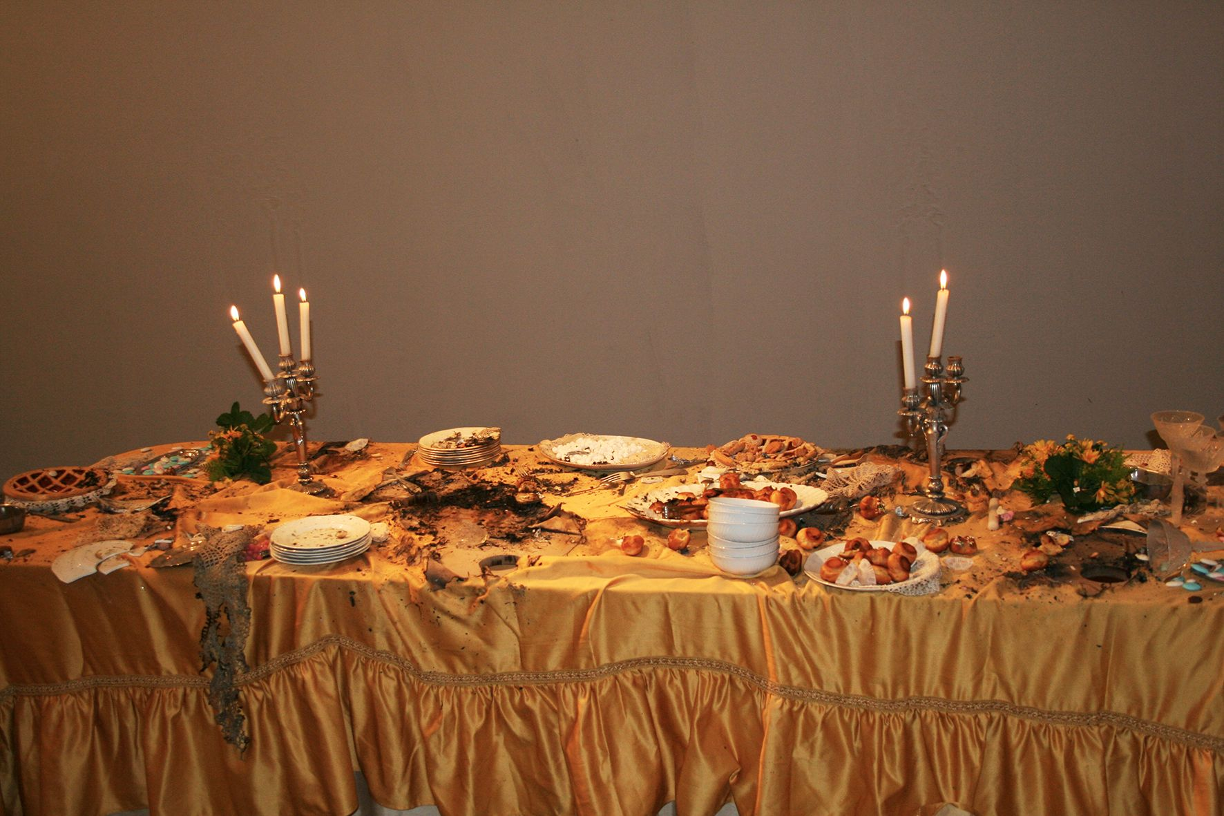Loredana Longo, Explosion8 sweets, 2006_Courtesy Francesco Pantaleone, Palermo Milano