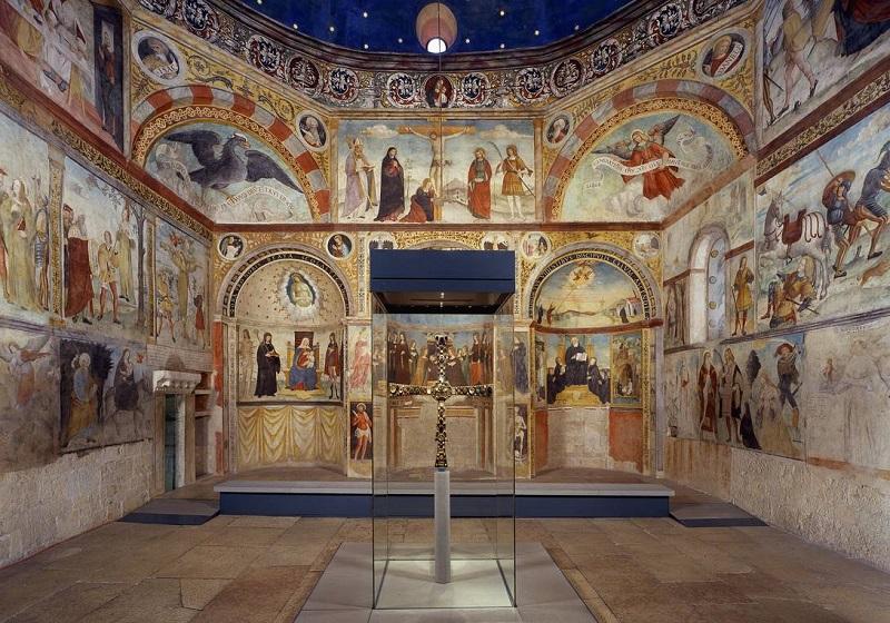 Museo di Santa Giulia, Brescia. Santa Maria in Solario con la Croce di Desiderio