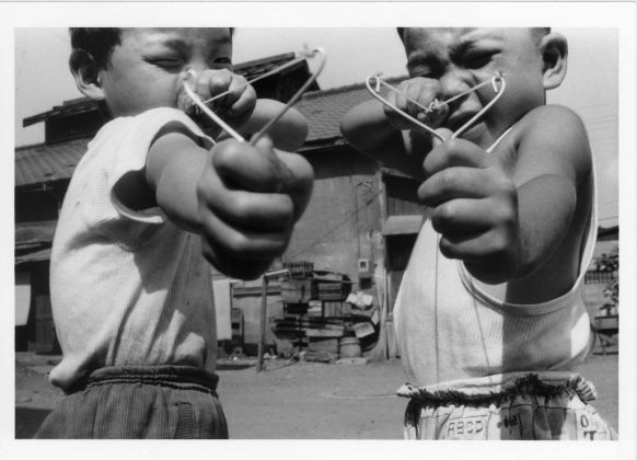 Nobuyoshi Araki, Satchin and his brother Mabo, 1963-65. ©Nobuyoshi Araki