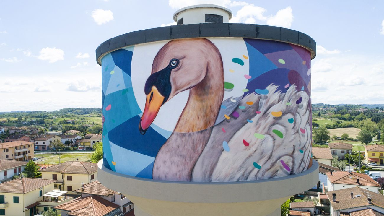 Refreshink, murale su torre dell'acqua (dettaglio), Montopoli (Pisa), Rainbow 2019. Photo Claudio Bellosta Studio