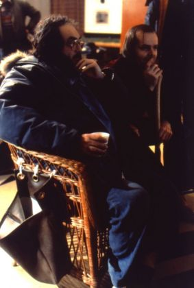 Stanley Kubrick e Jack Nicholson sul set di The Shining (1980) © Warner Bros. Entertainment Inc.