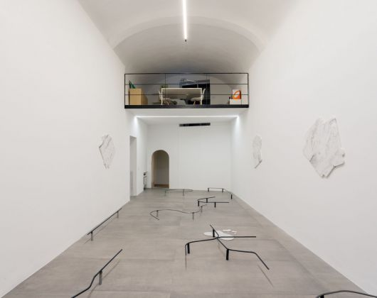 Vasilis Papageorgiou. It's 2 a.m. I am spilling it. Installation view at UNA, Piacenza 2019. Photo credits Marco Fava. Courtesy UNA & the artist