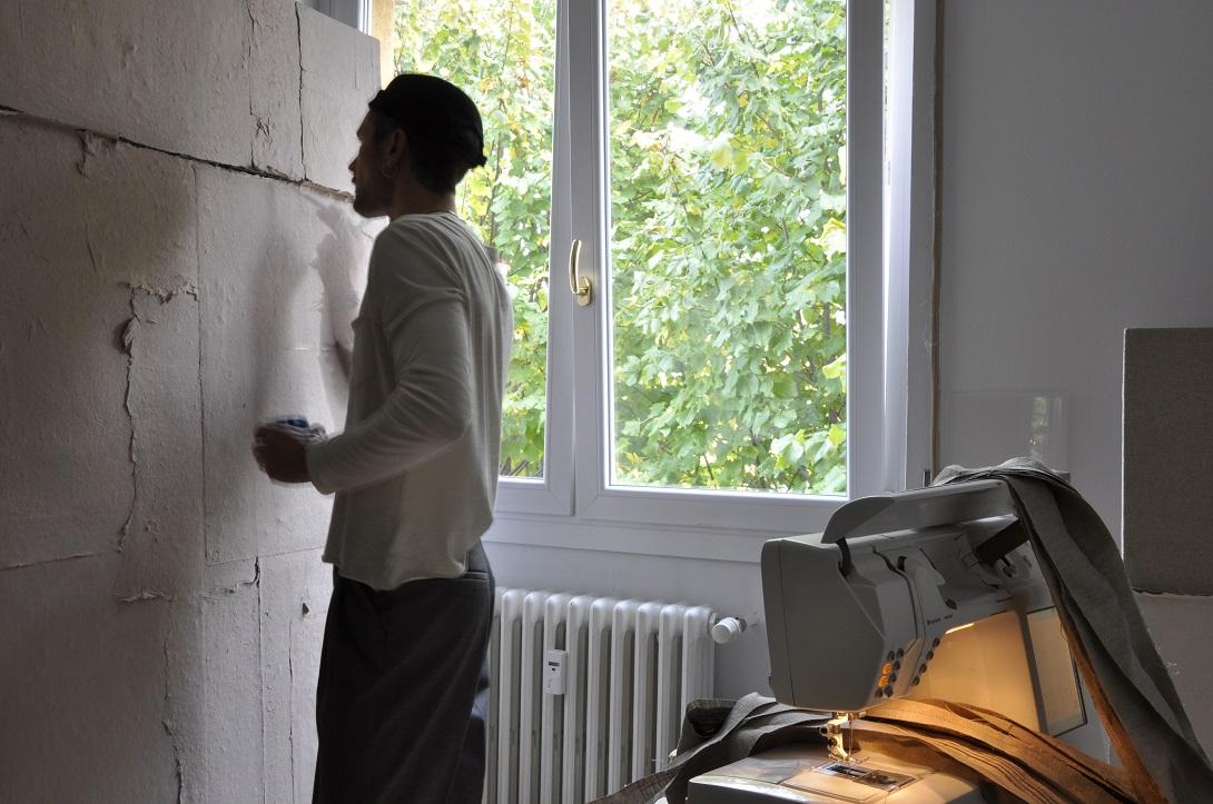 Hermann Bergamelli nel suo studio
