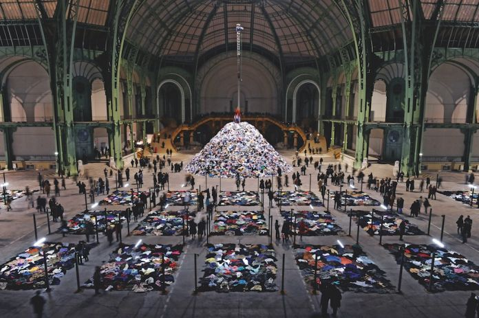 MUSJA Christian Boltanski, Personnes Monumenta Gran Palais, Paris 2010 Courtesy: ADAJP Paris 2018, Photo by Dider Plowy