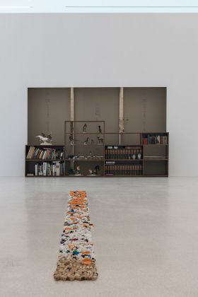 Haim Steinbach, Display #100A – An Offering Collectibles of Maria Kornherr, given by Peter Kogler, 2018 19. Courtesy the Artist & Tanya Bonakdar Gallery, New York Los Angeles