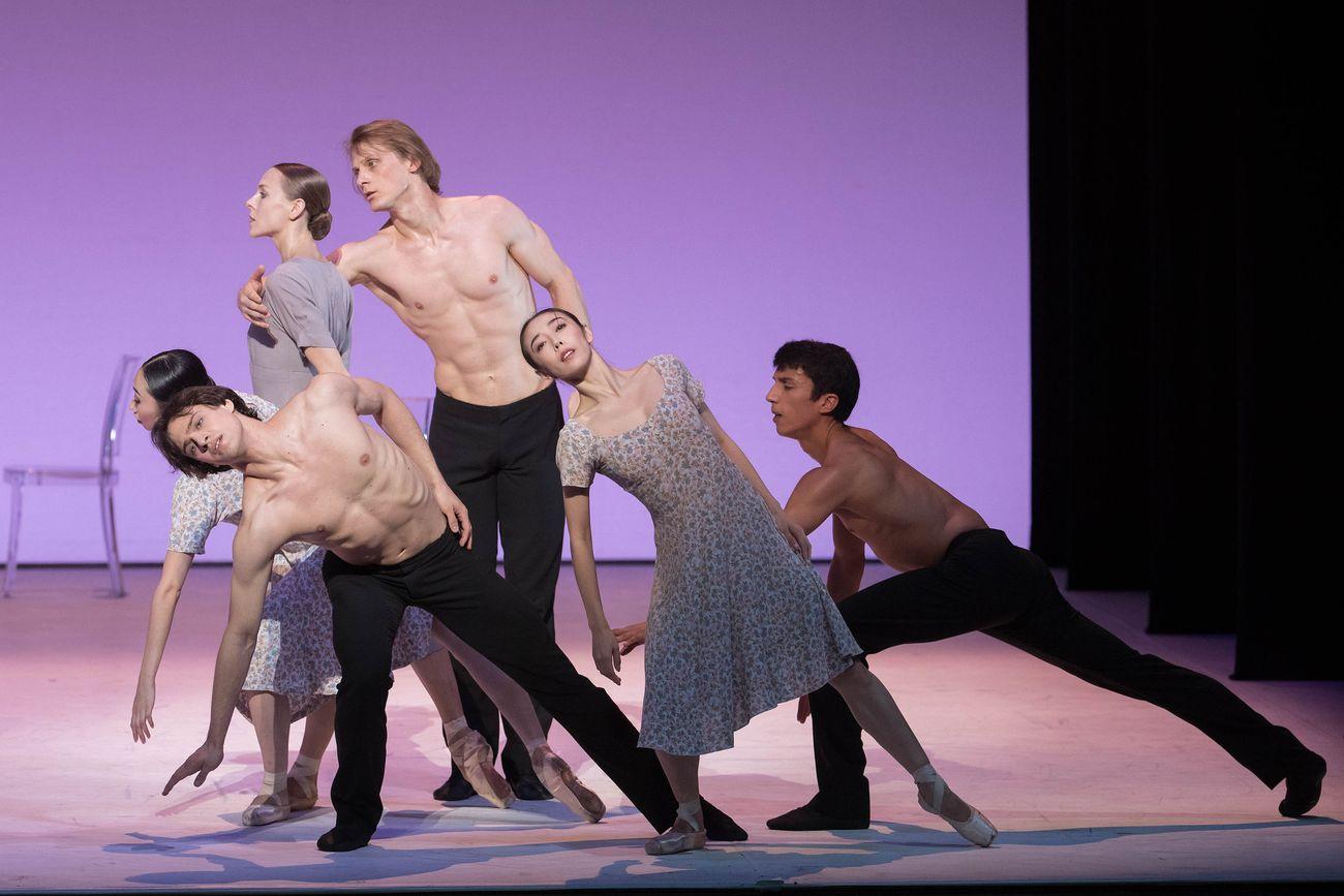 Hamburg Ballett, At Midnight. Photo © Zani Casadio