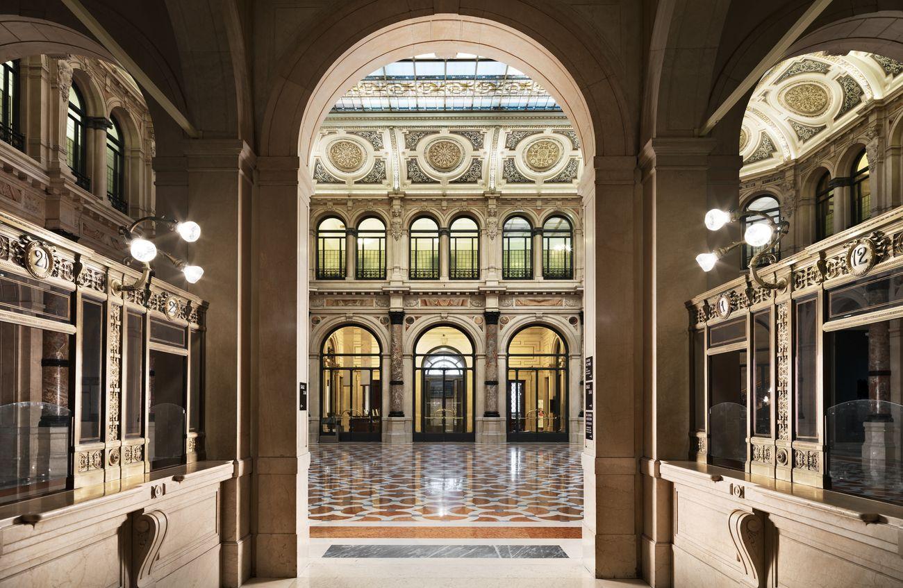 Interno delle Gallerie d'Italia, Piazza Scala, Milano