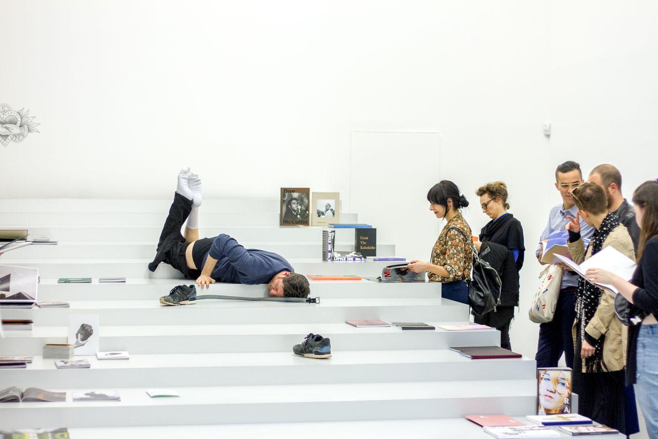 Jacopo Miliani + Antenne Books, Body Oh Boy Nobody, Istituto Svizzero, Milano 2016. Evento all'interno del programma di Riviera curato dallo Studio Dallas insieme a Caterina Riva