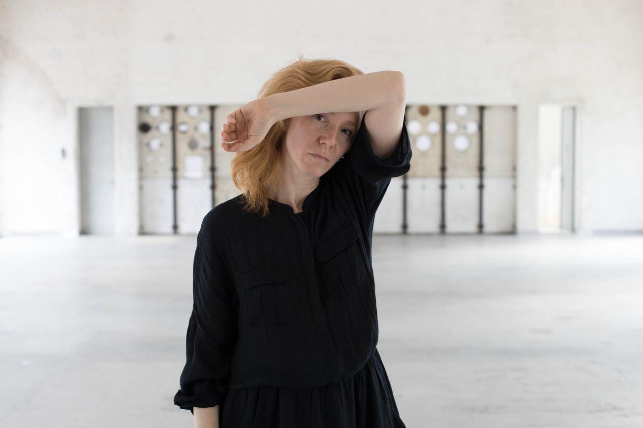 Kat Válastur, photo Roberta Segata, courtesy Centrale Fies art work space
