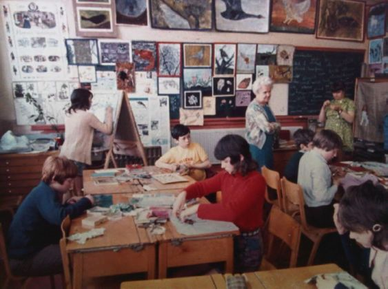 Muriel Pyrah in the classroom. Courtesy the NAEA