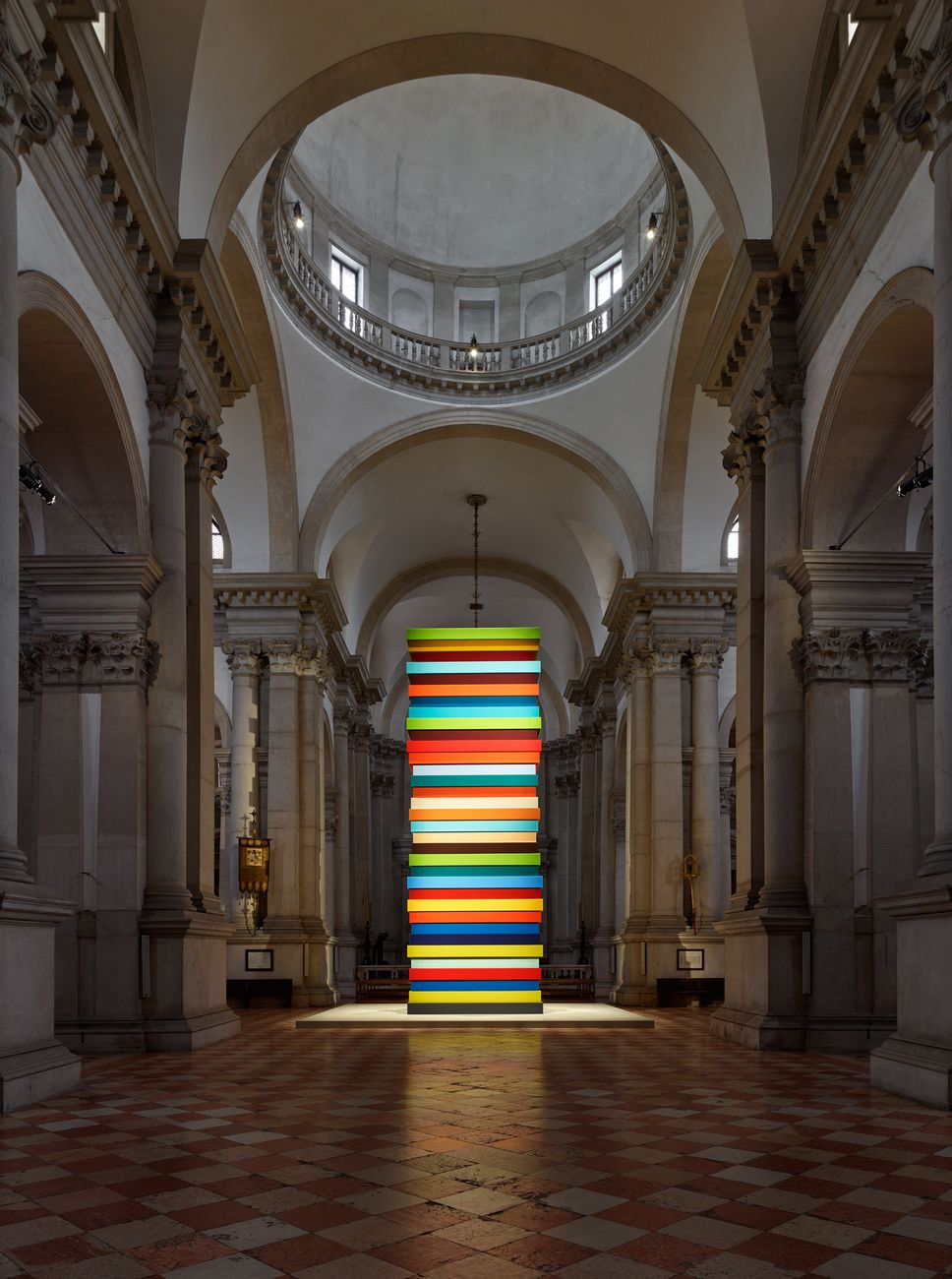 Sean Scully, Opulent Ascension, 2019. Abbazia di San Giorgio Maggiore, Venezia 2019 © Sean Scully. Courtesy the Artist and KEWENIG, Berlino. Photo Stefan Josef Müller, Berlino