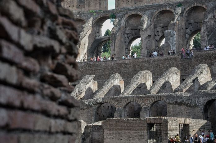 Colosseo, Roma, turisti. Photo © Irene Fanizza