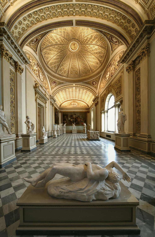 Veduta della sala della Niobe agli Uffizi Gallerie degli Uffizi, Firenze
