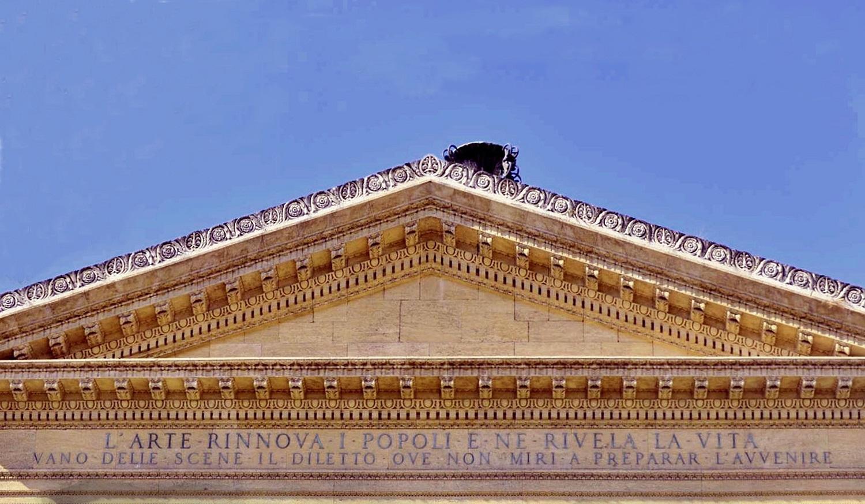 Frontone del Teatro Massimo di Palermo
