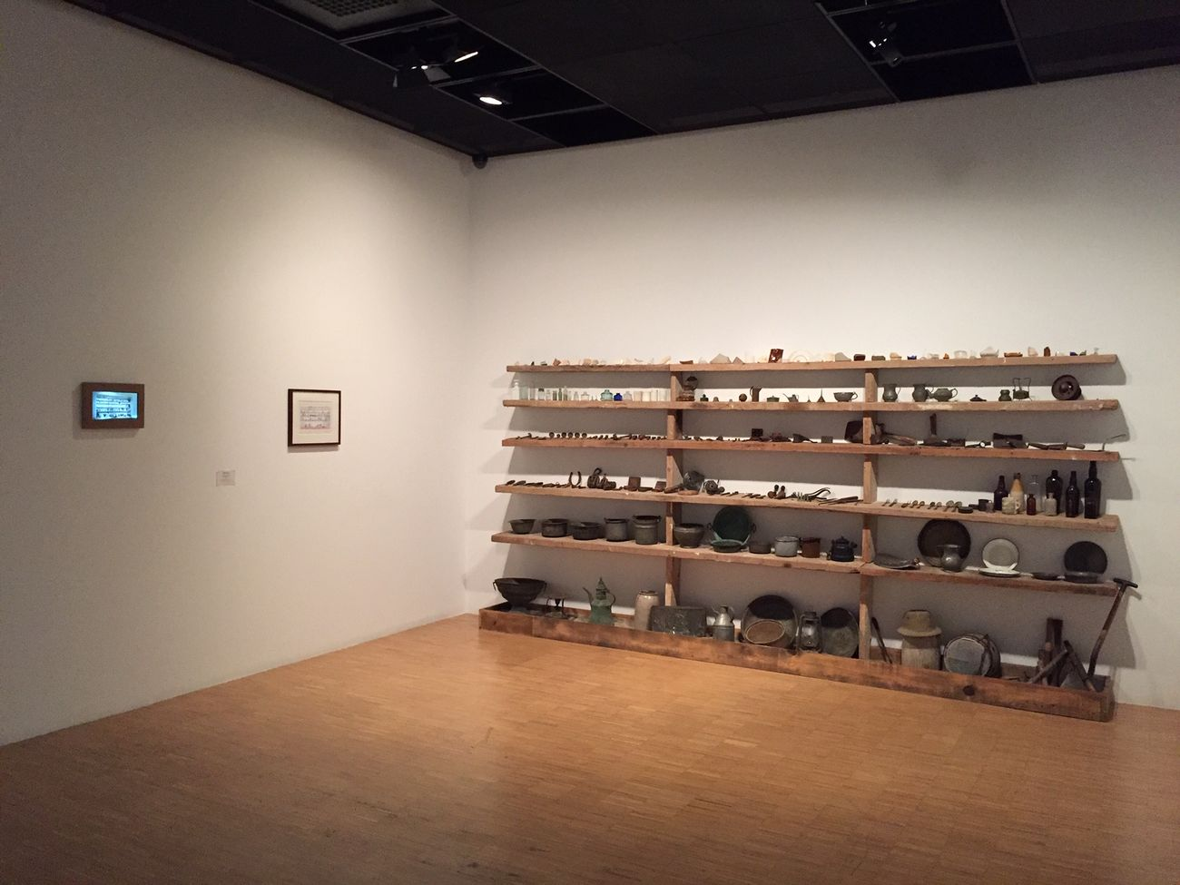 Mark Dion, Dig Culture, 2011, exhibition view in Aslına Sadık Kalınmıştır (Replica of the Original), 2019, SALT Beyoğlu, Istanbul