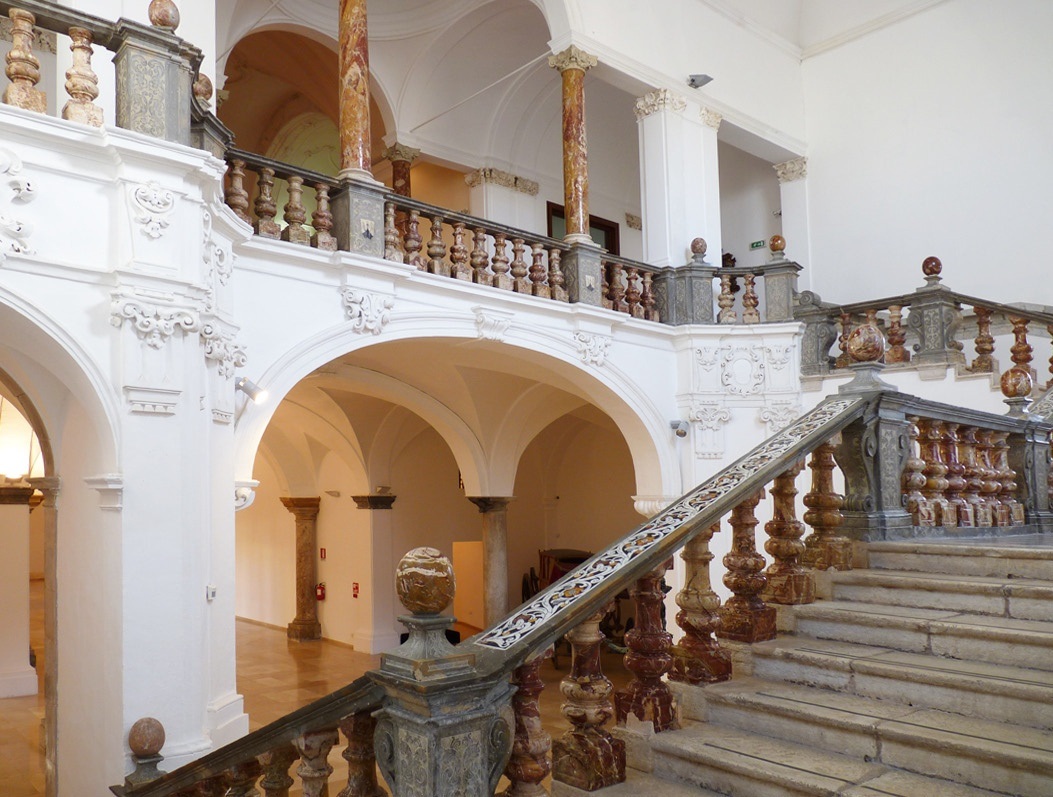 Trapani, lo scalone del Museo Pepoli