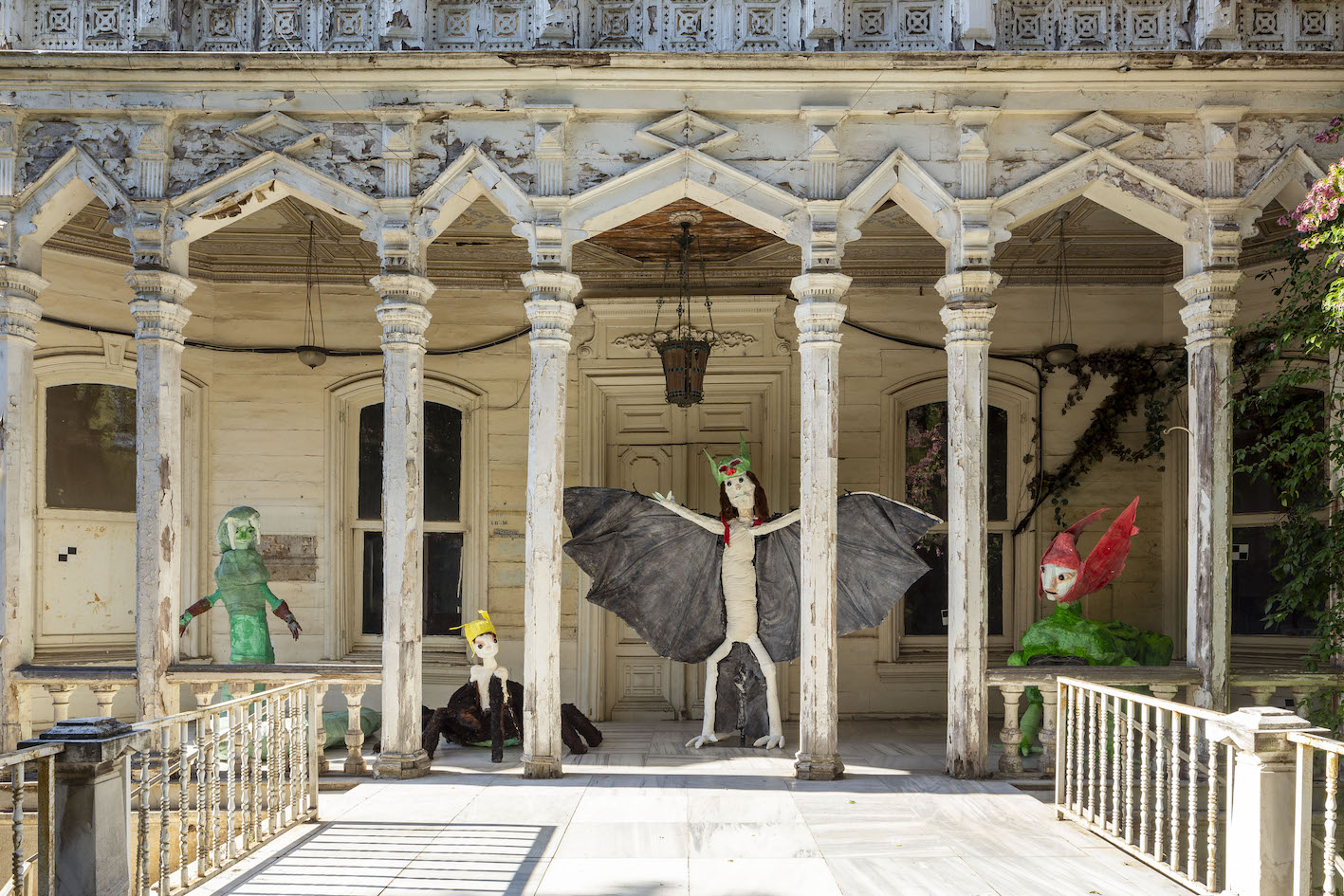 Monster Chetwynd, The Gorgon's Playground, 2019 Sculptural installation 282 × 600 × 345 cm Courtesy the artist and Sadie Coles HQ, London. Commissioned by the 16th Istanbul Biennial. Produced and presented with the support of Koç Holding. Ph. Sahir Ugur Eren