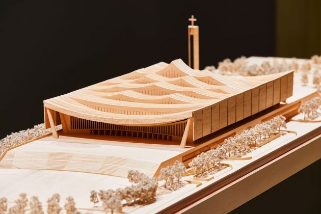 David Adjaye, National Cathedral of Ghana, maquette. Photo © Ed Reeve. Installation view at the Design Museum, London 2019