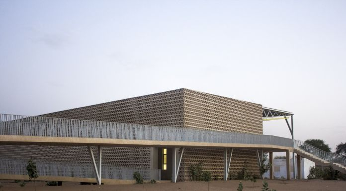 View of access ramps and façade, Alioune Diop University Teaching and Research Unit, Bambey, Senegal. | Aga Khan Trust for Culture / Chérif Tall (photographer)