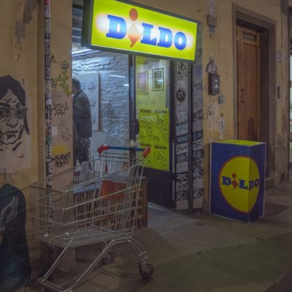 Hogre, Illustre Feccia e Doublewhy, Dildo. Opening at Street Levels Gallery, Firenze 2019. Photo Gabriele Masi
