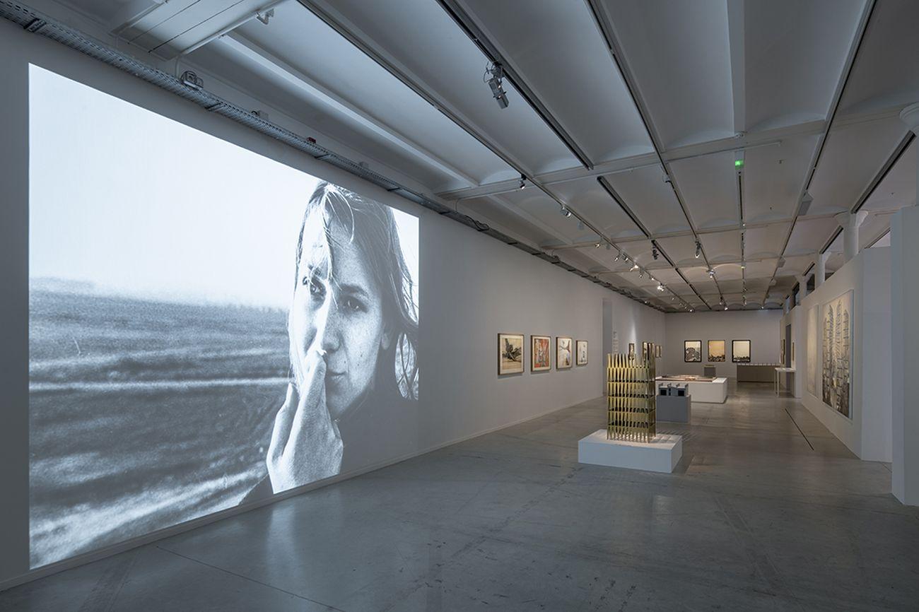 La Biennale d'Architecture d'Orléans #2. Nos années de solitude. Exhibition view at Frac Centre Val de Loire. Photo Martin Argyroglo _6