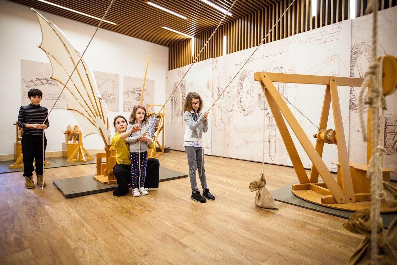 Museo Nazionale della Scienza e della Tecnologia Leonardo da Vinci di Milano. Attività nel laboratorio Leonardo. Photo © Paolo Soave – Museo Nazionale della Scienza e della Tecnologia