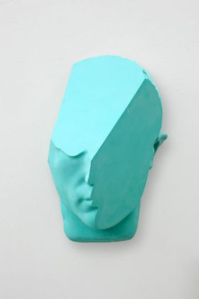 T-Yong Chung, Marcello (Maschera), 2019, resina, cm 28 (h). Courtesy the artist and Renata Fabbri arte contemporanea