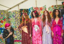 Zandra Rhodes and models at Port Eliot Festival, Cornwall, 29 July 2017. Photo Louise Roberts