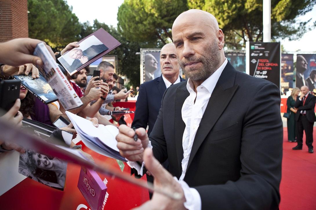 Red carpet, John Travolta autographs