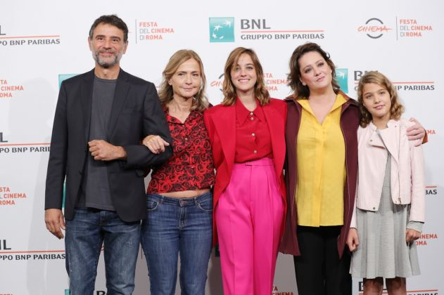 "ROME, ITALY - OCTOBER 26: (L-R) Vincenzo Amato, Cristina Comencini, Beatrice Grannò, Giovanna Mezzogiorno and Clelia Rossi Marcelli attend the photocall of the movie ""Tornare"" during the 14th Rome Film Festival on October 26, 2019 in Rome, Italy. (Photo by Vittorio Zunino Celotto/Getty Images for RFF)"