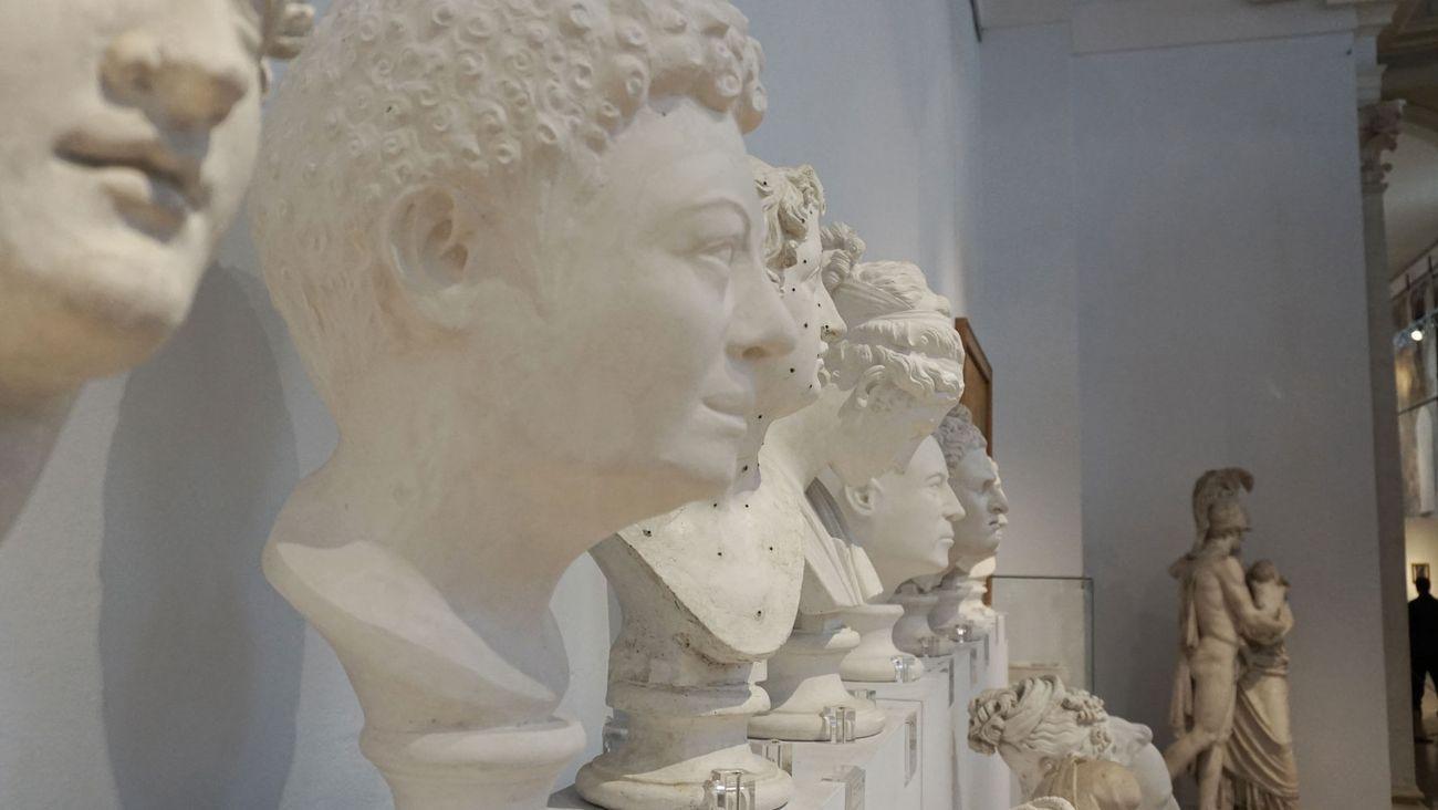 Antonio Guiotto. Senza titolo con didascalia 2. Installation view at Musei Civici di Bassano del Grappa, 2019