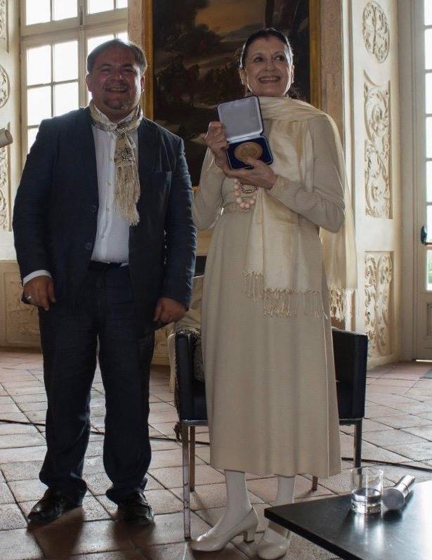 Con Carla Fracci Accademico d Onore