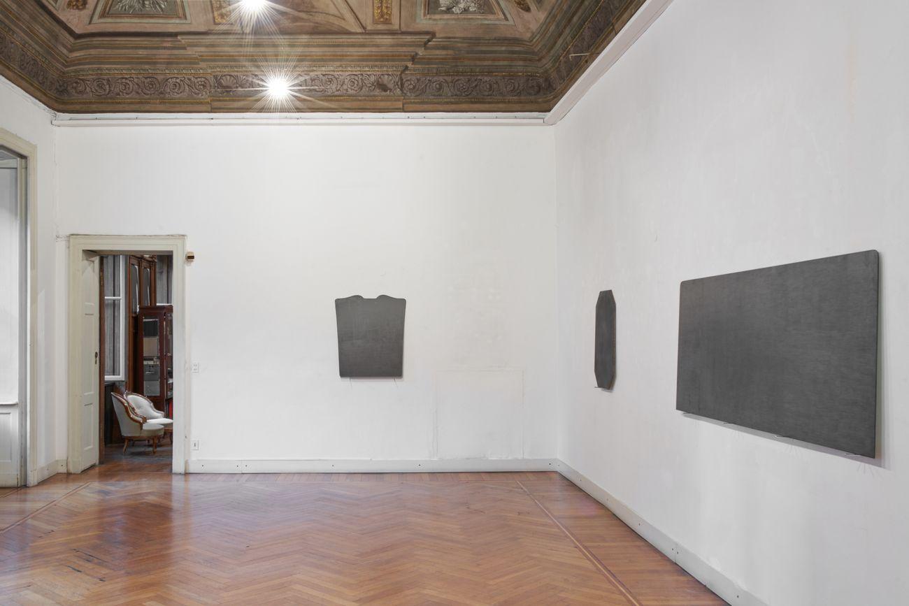 Giovanni Oberti. La pelle degli oggetti. Installion view at Galleria Milano, Milano 2019. Photo Floriana Giacinti. Courtesy Galleria Milano