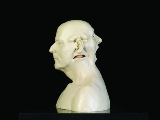 Jan Fabre, Homage to Jacques Mesrine (Bust with white teeth), 2011. Photo Pat Verbruggen © Angelos bvba. Courtesy Palazzo Merulana, Roma