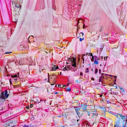 JeongMee Yoon, The Pink Project I Charity & Hopey and Their Pink Things, Gyeonggi do, South Korea, 2011