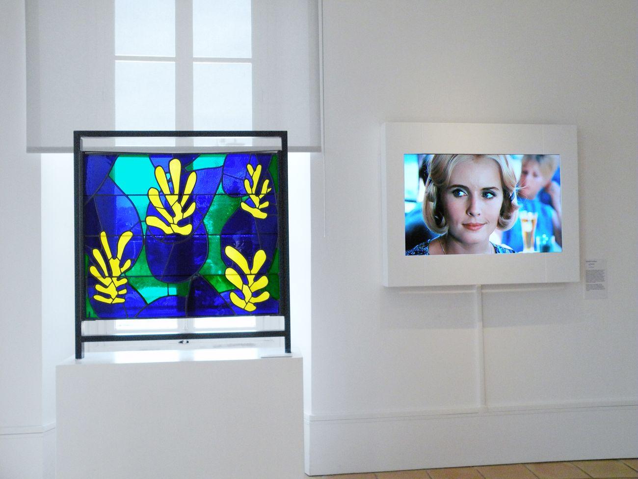 Cinématisse. Exhibition view at Musée Matisse, Nizza 2019 © Succession H. Matisse pour l'œuvre de l'artiste © Institut Lumière pour le film. Photo Ville de Nice – Musée Matisse