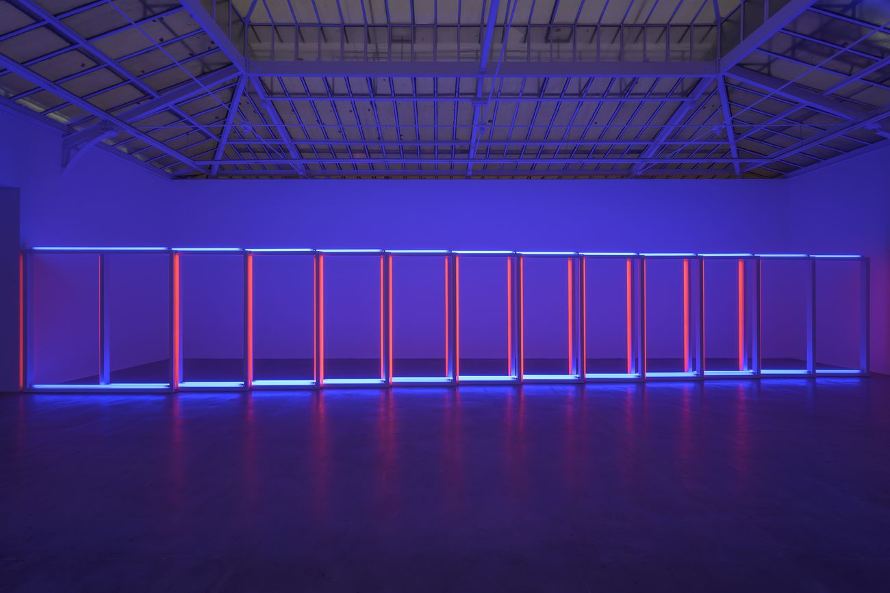 Dan Flavin. Installation view at David Zwirner, Parigi 2019. Photo Jack Hems © 2019 Stephen Flavin _ Artists Rights Society (ARS), New York Courtesy David Zwirner