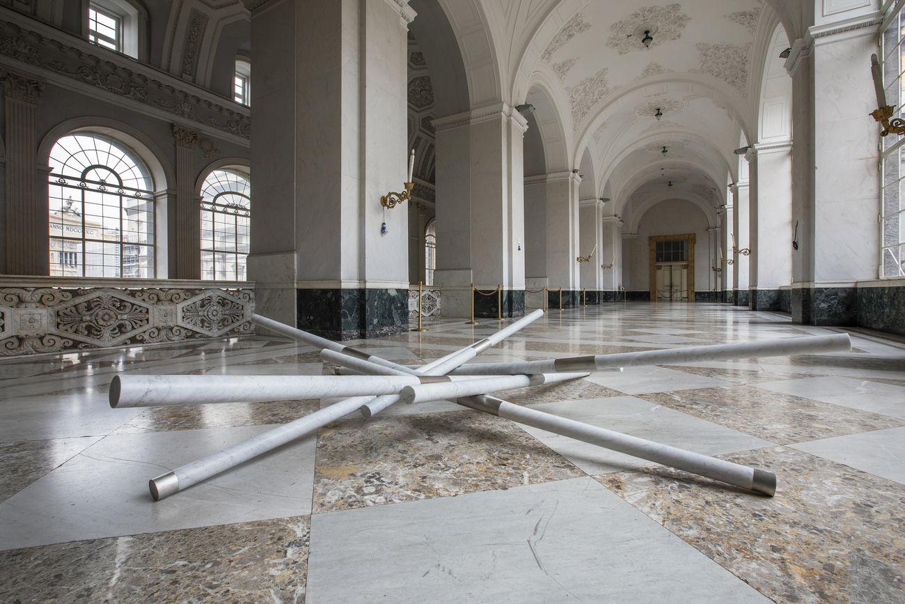 Hidetoshi Nagasawa, Pozzo nel cielo, 1999 2014. Installation view at Palazzo Reale, Napoli 2019. Photo Alessandra Cardone & Luciano Basagni © Polo museale della Campania