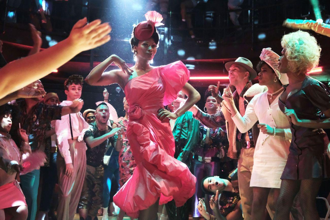 Screenshot da Pose, serie Netflix su ballroom e voguing